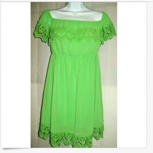 Umgee Dress Sz S Gree Crochet Lace On Off Shoulder